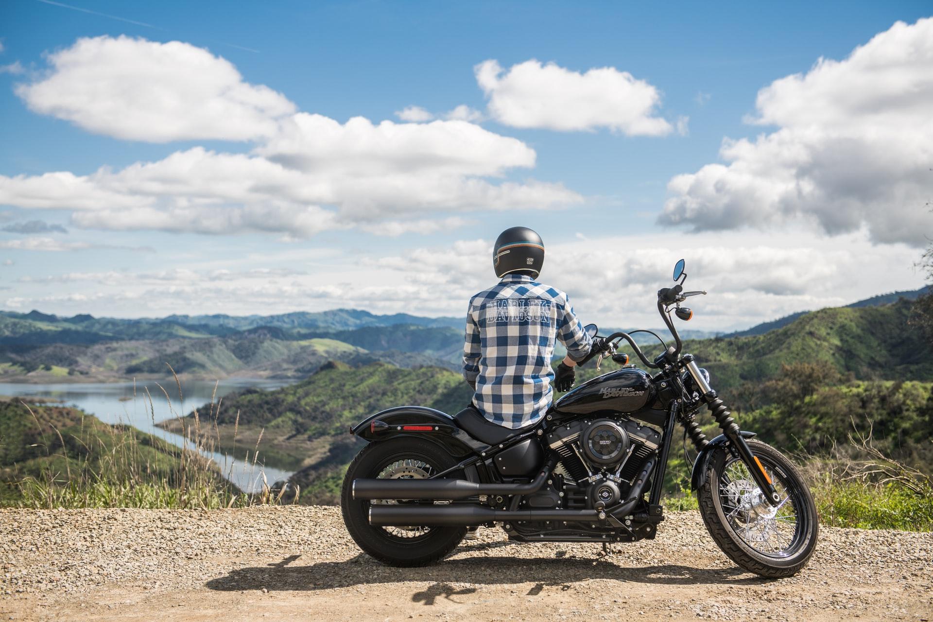 Pomysły na prezenty dla motocyklisty lub fana motocykli